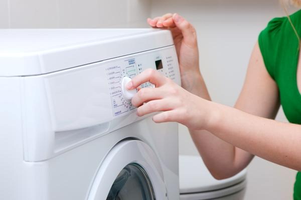 Не используйте средства, не предназначенные для стиральной машины. Фото с сайта magic-cleaners.com