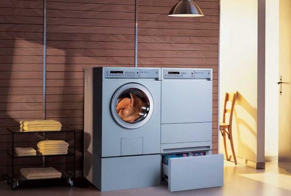 Сушильная машина может соседствовать со стиральной. Фото с сайта rossi-spb.ru
