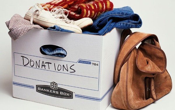 Если вещи в приличном состоянии, отдайте нуждающимся. Фото с сайта www.funlib.ru