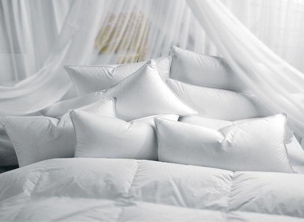 Ручная стирка идеальна для таких подушек. Фото с сайта megadoski.ru