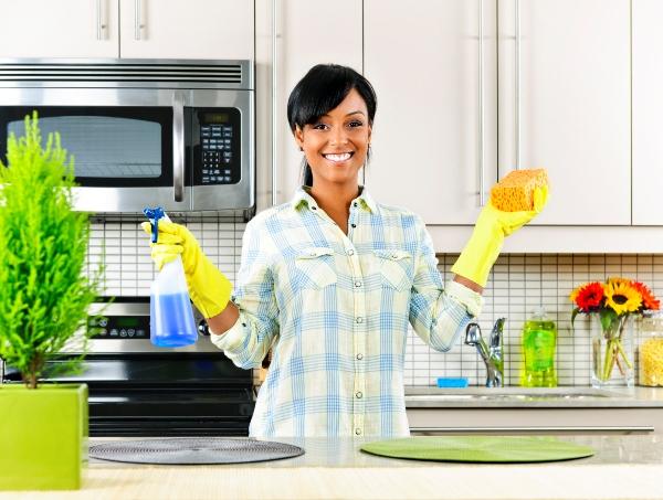 Нельзя обойтись только влажной или только сухой уборкой. Фото с сайта gccleaningsvcs.com