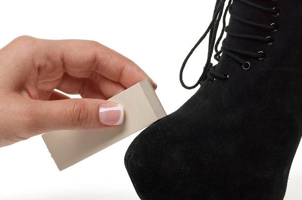 Специальный ластик для замши. Фото с сайта www.footpetals.com