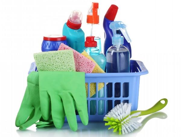 Бытовую химию лучше хранить в ванной. Фото с сайта photo.elsoar.com.