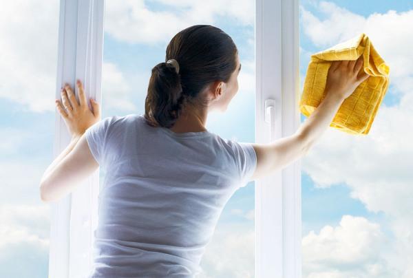 Регулярно мой окна. Фото с сайта www.avcl.ru