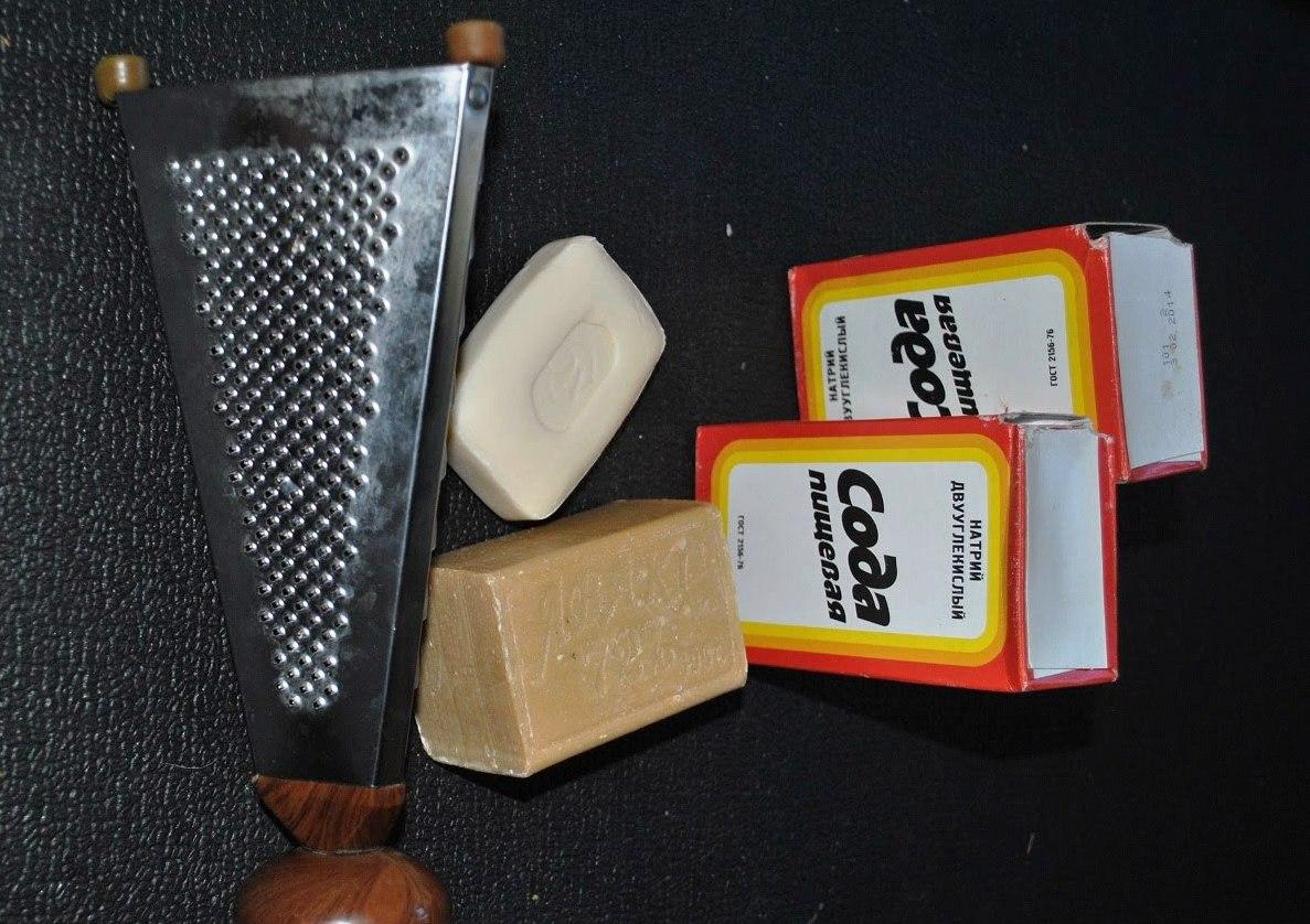 Мыло+сода - вот и весь рецепт. Фото с сайта ytimg.com