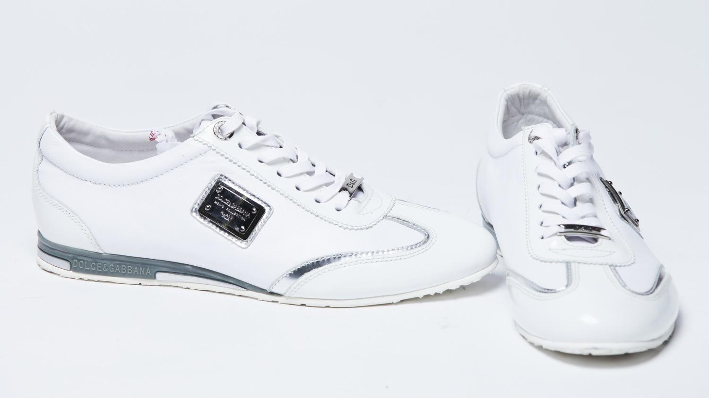 85b498935 Как отмыть белые кроссовки: секреты сохранения сияющего великолепия