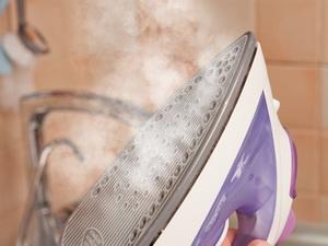 Как очистить от накипи утюг с керамическим и тефлоновым покрытием: средства бытовой химии и советы домохозяек