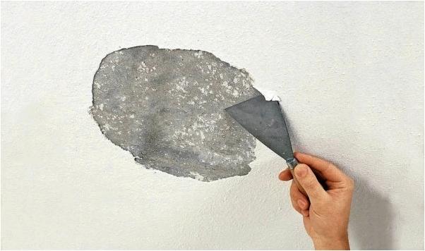 Как смыть побелку с потолка просто и без нервов