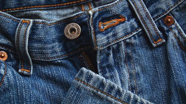 Экспресс-способы, как высушить джинсы феном, утюгом, при помощи духовки за 5 минут