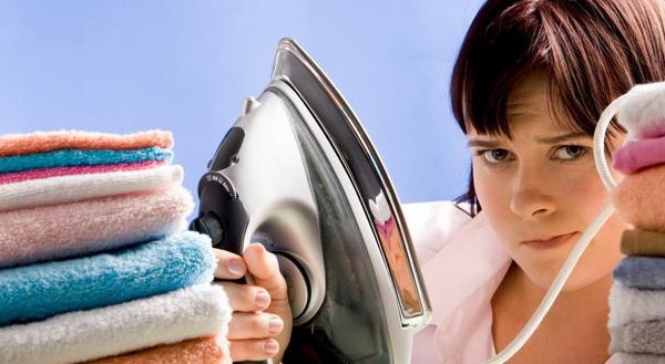 Советы домохозяек, как убрать восковое пятно (жирное и от свечи) с одежды разных типов ткани