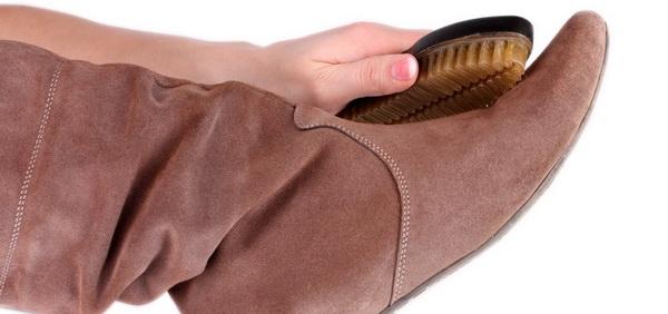 Рассказ домохозяйки, как правильно ухаживать за замшевой обувью специальными и народными средствами в домашних условиях