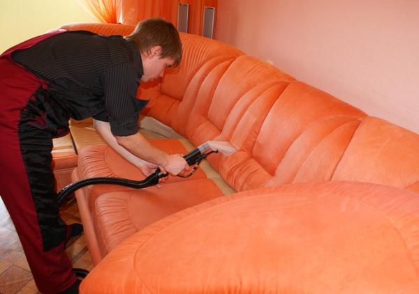 Можно нанять специалистов по уборке. Фото с сайта cleaning-doma.ru