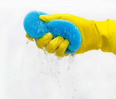 Уход за акриловой ванной: основные правила и способы борьбы с сильными загрязнениями