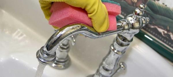 Сода, уксус, лимонная кислота и другие проверенные средства, позволяющие легко почистить ванну в домашних условиях