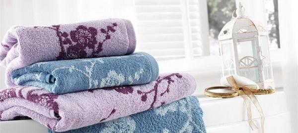 Как сохранить мягкость махровых полотенец и постирать их вручную и в стиральной машине