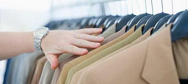 Как постирать пиджак в домашних условиях: рекомендации по ручной и машинной стирке