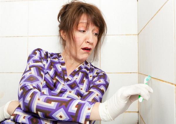 Поверхностно и глубоко: как очистить швы между плиткой в ванной, восстановить и сохранить затирку