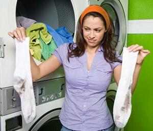 Простые советы, как при помощи подручных средств отстирать белые носки