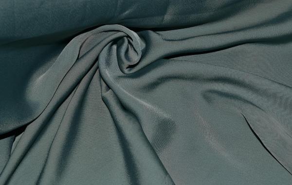 Шелк - благородный, но капризный материал. Фото с сайта shtora-dizain.ru