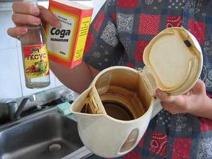 Как очистить чайник от накипи: 4 эффективных средства, которые помогут распрощаться с налетом навсегда