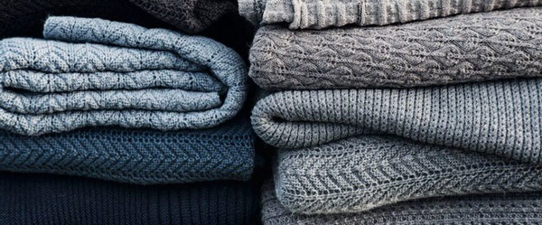 Практичные советы, как постирать шерстяной свитер вручную и в стиральной машине, чтобы вещь не потеряла форму