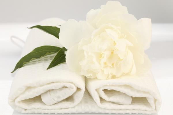 Пятновыводитель своими руками: эффективные методы чистки одежды и мебели в домашних условиях