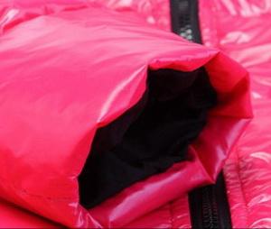 Советы, как грамотно постирать куртку на синтепоне в стиральной машине, чтобы не испортить фактуру ткани, фурнитуру и не